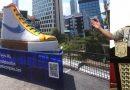 Tugu Sepatu Anies Baswedan, Sebuah Kesengajaan, Politik Cemar Asal Tenar